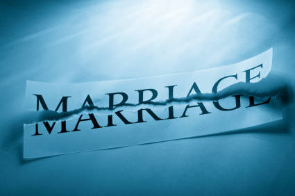 Ten smart tips for managing a divorce to get the best possible results for you and your family.